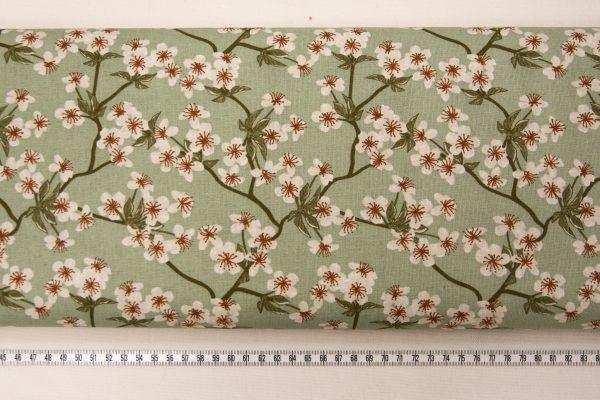 Kwiat wiśni na miętowym – tkanina bawełniana