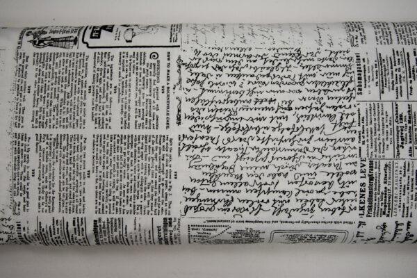 Stara gazeta biel – tkanina bawełniana