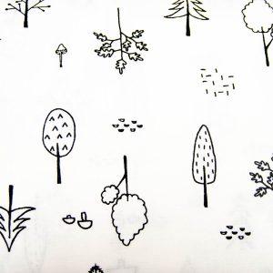 Leśne drzewa na bieli - tkanina bawełniana