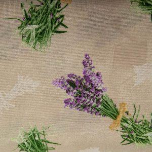 Duże bukiety lawendy na beżu- tkanina bawełniano-poliestrowa