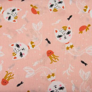 Kot-syrenka na jasnym różu - tkanina bawełniana
