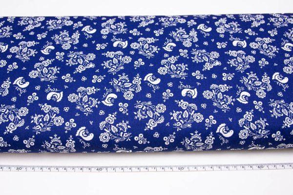 Gołąbki i bukieciki na ciemnoniebieskim - tkanina bawełniana