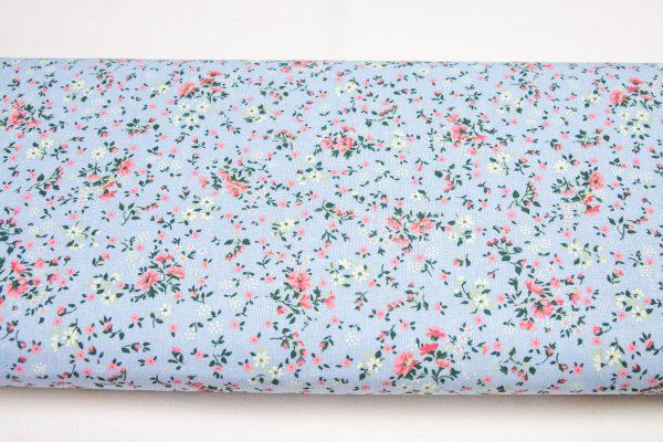 Różowa łączka na błękicie - tkanina bawełniana
