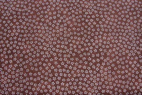 Drobna łączka brąz - tkanina bawełniana